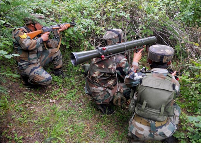 Pakistan sending its commands with terrorists in Kashmir, a dozen bat members in 17 days | कश्मीर में आतंकियों के साथ अपने कमांडो भेज रहा है पाकिस्तान, भारतीय सेना 17 दिनों में किए दर्जनभर बैट सदस्य ढेर