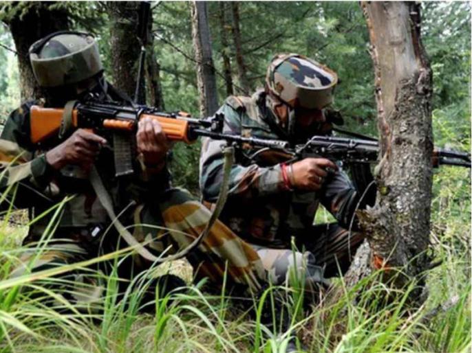 Jammu and Kashmir Terrorists tried sneak three feetsnowBSF jawans fired drove away | जम्मू-कश्मीरःतीन फुट बर्फ के बीच अब मच्छेल से घुसने की कोशिश की आतंकियों ने,बीएसएफ जवानों ने गोलीबारी कर भगाया