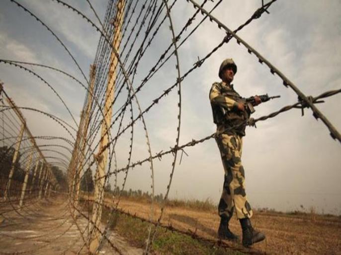Indo-Pak border Rajasthan BSF killed two intruders recovered 2 pistols, 8 kg heroin and Pakistani currency | राजस्थान में भारत-पाक सीमाः BSF नेदो घुसपैठियों को मार गिराया,2 पिस्टल,8 किलोग्राम हेरोइन औरपाकिस्तानी करेंसी बरामद