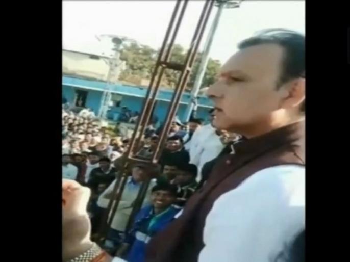"Rajasthan: BSP leader Jagat Singh issues threat to PM Modi, CM Ashok Gehlot & Vasundhara Raje | वीडियो: BSP नेता ने दी धमकी, कहा- ""आ जाओ मोदी जी... पेटी पैक करके भेजूंगा"""