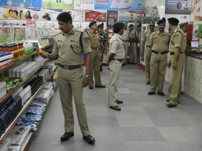 Govt puts on hold list of non-swadeshi products banned from CAPF canteens | गृह मंत्रालय ने कुछ घंटे में बदला फैसला, वापस लिया CAPF कैंटीन में सिर्फ स्वदेशी सामान बेचने का आदेश