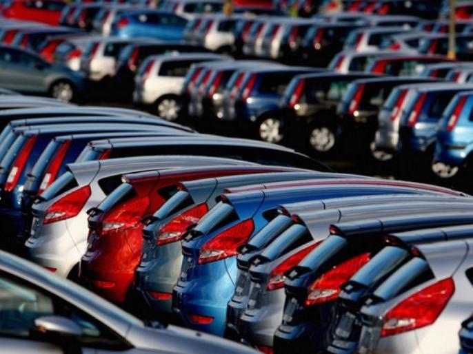 Passenger vehicle sales decline by 18% in June, car sales down 25 percent SIAM | गिरावट के दौर से गुजर रहा वाहन बाजार, यात्री गाड़ी की में 18 तो कार बिक्री में 25 प्रतिशत की कमी