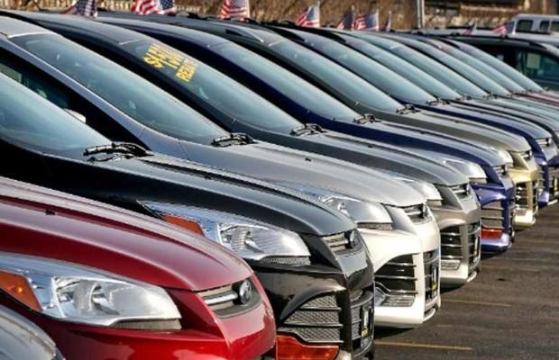 Auto sales in India sees sharpest fall in 19 yrs; 15,000 workers lose jobs   वाहन बिक्री में 19 साल की सबसे बड़ी गिरावटः15,000 लोगों ने गंवाई नौकरी, 10 लाख से अधिक नौकरियों पर खतरा
