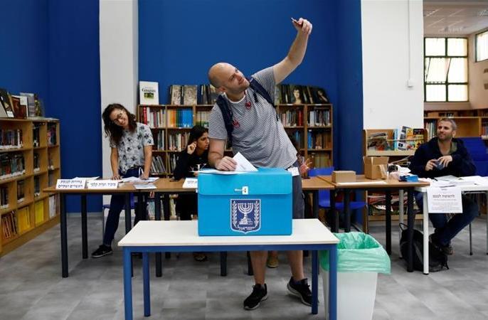 Israel election: Voting under way in second poll in five months | इजराइल में लोगों ने 5 माहमें दूसरी बार हुए आम चुनाव में वोट डाले,नेतन्याहू के नेतृत्व पर जनमत संग्रह