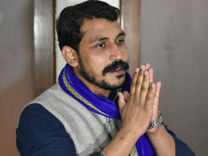 Lok Sabha Elections 2019: Bhim Army chief Chandrashekhar Azad's will not fight against Modi at Varanasi lok sabha seat | लोकसभा चुनाव 2019: भीम आर्मी चीफ चंद्रशेखर आजाद का यू-टर्न, वाराणसी से मोदी के खिलाफ नहीं लड़ेंगे चुनाव