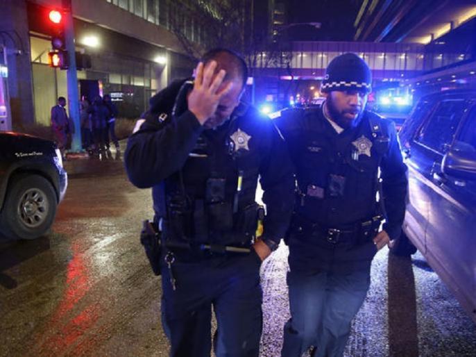 Chicago hospital shooting one policeman two civilian and gunman died | शिकागो के अस्पताल में गोलीबारी, पुलिसकर्मी और हमलावर समेत चार की मौत
