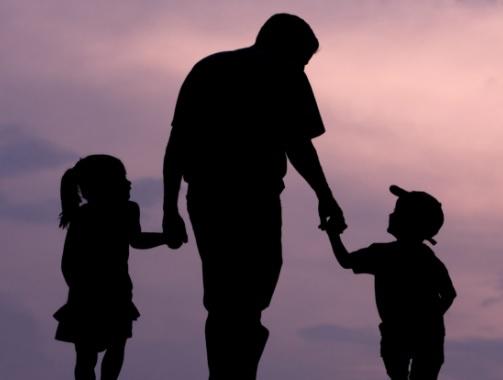 LIC's policy or to Invest in mutual funds for a better future of children, can become millionaires | बच्चों के बेहतर भविष्य के लिए अपनाएं इन्वेस्टमेंट की सही स्ट्रैटजी, बन सकते हैं करोड़पति
