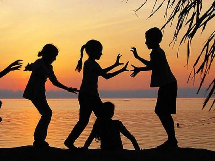 Life Lessons one can learn from childhood | तुमसे सीख रहा हूँ में गिर कर उठना और बिना किसी डर के कुछ भी कर जाना