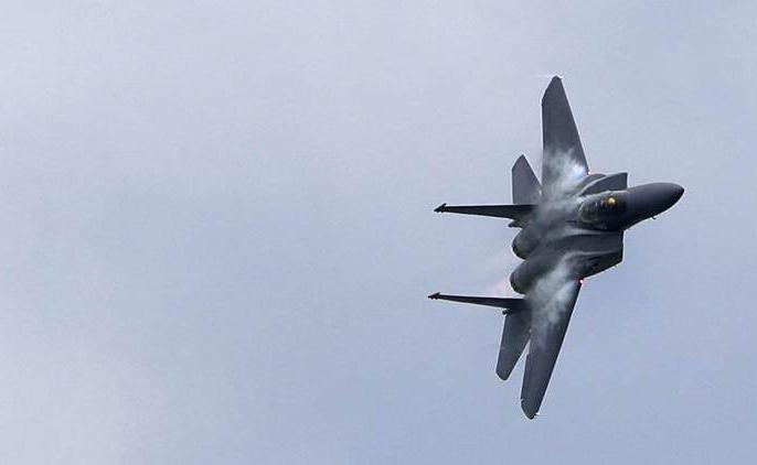 Tension increased in China and Taiwan, Dragon sent 19 fighter jets including two bomber aircraft | चीन व ताइवान में बढ़ा तनाव, ड्रैगन ने दो बमवर्षक विमान सहित 19 लड़ाकू विमानों को भेजा