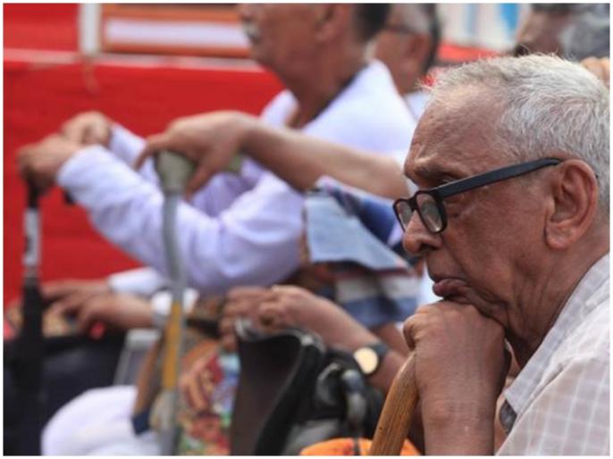 About 35 percent of people are not happy to serve the elderly: survey   करीब 35 फीसदी लोगों को बुजुर्गों की सेवा करने में खुशी नहीं होती: सर्वेक्षण
