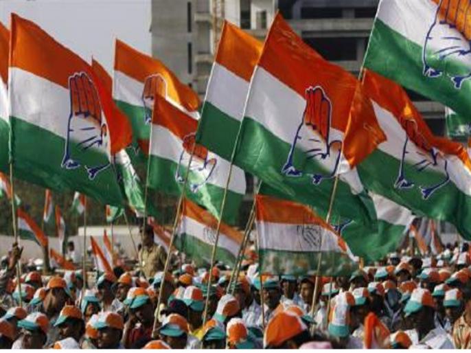 Eight Gujarat Congress MLAs detained for joining tribal people | गुजरात कांग्रेस के आठ विधायक पुलिस हिरासत में, आदिवासियों के धरने में होने जा रहे थे शामिल