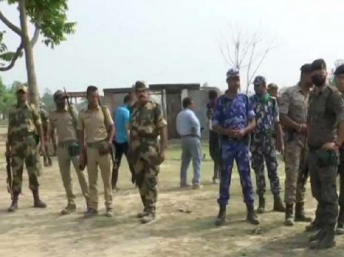 West Bengal election EC says Cooch Behar firing happened after locals attacked CISF jawans | कूच बिहार में CISF जवानों ने फायरिंग क्यों की और कैसे गई चार लोगों की जान? जानिए चुनाव आयोग ने इस पर क्या कहा