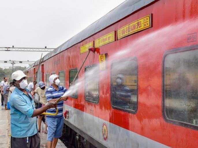 Firing Problems Amphan Blamed For Delay In Railways Online Booking | टिकट बुकिंग में होने वाली देरी पर रेलवे की सफाई- कहा एक ही समय में कई लोगों के लॉगइन करने से हो सकती है समस्या, बुक हो रही हैं टिकट
