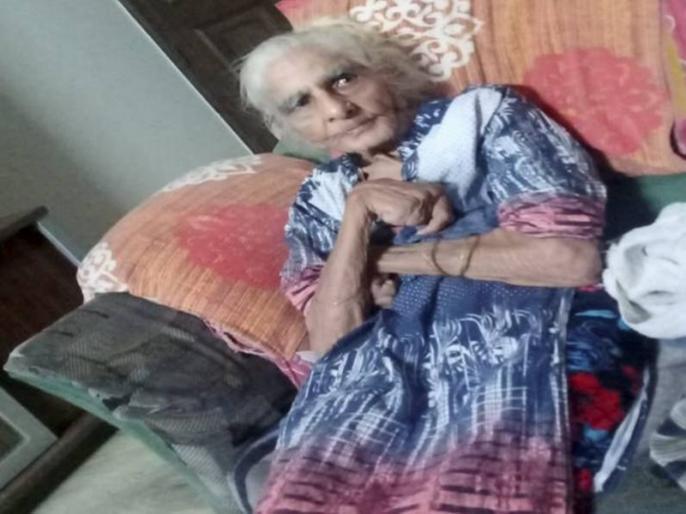 96 year old Delhi woman beats COVID neighbours hail her willingness to live | 96 साल की दादी के जज्बे को सलाम, कोरोना को दी मात, फिर परिवार संग मनाया जश्न
