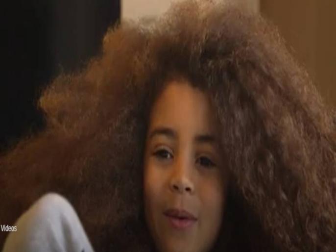 7 year old Farooq James live in london his hair famous in fashion world video viral on social media | घुंघराले बालों से इंस्टाग्राम पर छा गया 7 साल का फरुक जेम्स, वीडियो देख आप भी हो जाएंगे हैरान