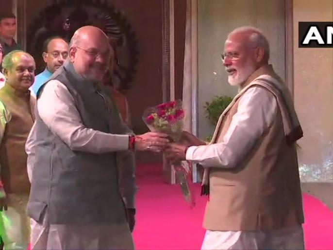 Ashoka Hotel where NDA leaders dinner is underway. PM Narendra Modi felicitated by alliance leaders. | अशोका होटल में शाह ने एनडीए नेताओं को डिनर पर बुलाया, पीएम मोदी, नीतीश सहित कई दिग्गज पहुंचे