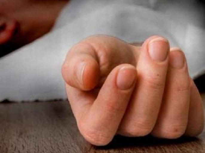 AhmednagarDoctor hangedinjecting poison wifetwo sons shocking incident crime case police | पत्नी, दो पुत्रों को जहर का इंजेक्शन देकर डॉक्टर ने लगाई फांसी, अहमदनगर में दिल दहलाने वाली घटना