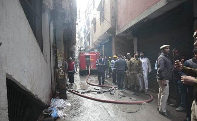 43 dead in Delhi fire, NDRF rescue operation continues, Full timeline here   दिल्ली अग्निकांड में 43 लोगों की मौत, NDRF का रेस्क्यू ऑपरेशन जारी, जानें अब तक का घटनाक्रम
