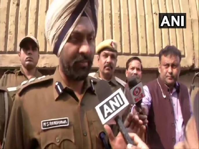 Delhi Anaj Mandi Fire: Short circuit caused fire, Plastic material at the spot caused a lot of smoke: Delhi Police | अनाज मंडी आग: दिल्ली पुलिस ने बताई आग लगने की वजह, 'मामला क्राइम ब्रांच को सौंपा'