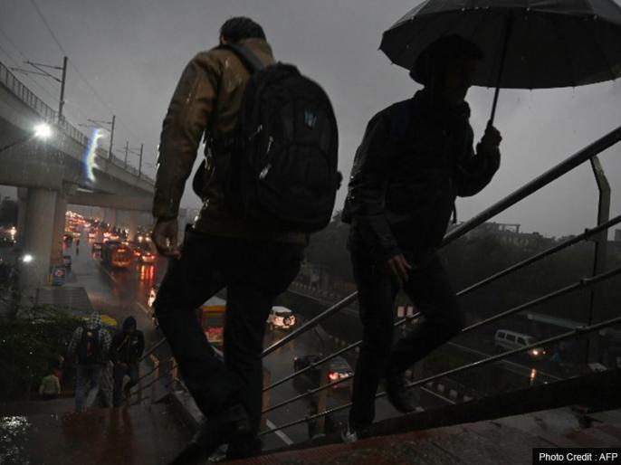 Weather Report: People get relief from the humidity in Delhi due to rain | weather Report: बारिश होने से दिल्ली में लोगों को उमस से मिली राहत