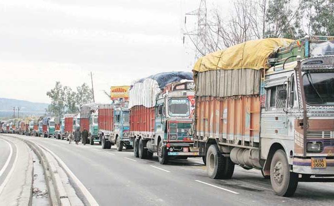 Heavy and medium goods vehicles will not be enter Delhi from 11 pm tonight to 11th November | दिल्ली: आज से बड़े ट्रकों की एंट्री बंद, मझोले ट्रक भी बैन, जानें कब तक लागू रहेगा ये नियम