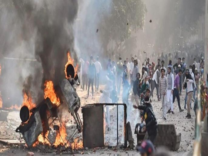 Delhi violence: Police files charge sheet in court against five in three murder cases | दिल्ली दंगा: पुलिस ने हत्या के तीन मामलों में पांच लोगों के खिलाफ चार्जशीट दाखिल की