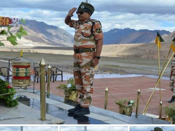 Indo-Tibetan Border Police Director General Deswal arrives Ladakh awards given to 291 soldiers who took iron from Chinese army | भारत-तिब्बत सीमा पुलिसःलद्दाख पहुंचेमहानिदेशक देसवाल, चीनी सेना से लोहा लेने वाले291 जवानों को दिया पुरस्कार