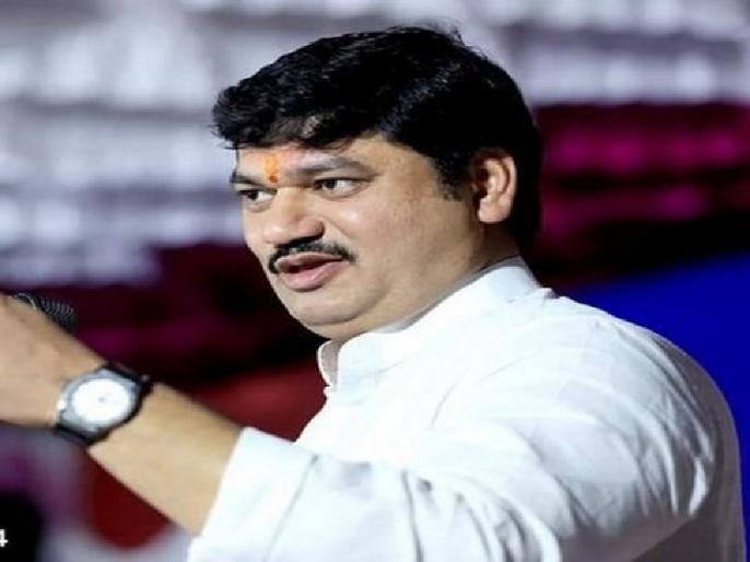 Maharashtra minister Dhananjay Munde was accused of rape by a woman, the minister said - the wife also knows about the relationship with the woman. | महाराष्ट्र के मंत्री धनंजय मुंडे पर लगा रेप का आरोप, तो मंत्री बोले- महिला से संबंध के बारे में पत्नी को भी है मालूम