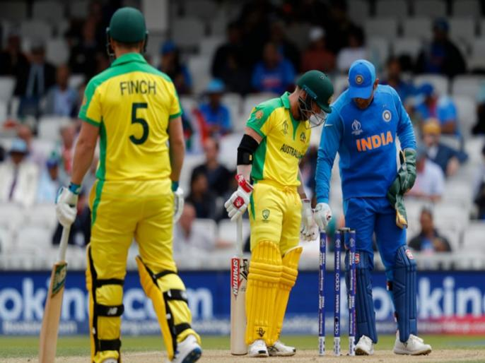 ICC World Cup 2019: Virat Kohli unhappy with 'zing' bails after David Warner reprieve | ICC World Cup 2019: भारी बेल्स से हो रही दिक्कत, खुद कप्तान विराट कोहली ने की शिकायत