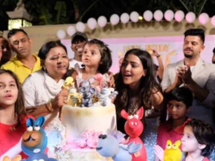 IPL 2018: MS Dhoni sings in Suresh Raina daughter Gracia's birthday celebration, watch Video | IPL 2018: धोनी ने रैना की बेटी के लिए गाया 'हैपी बर्थडे' सॉन्ग, वीडियो हुआ वायरल
