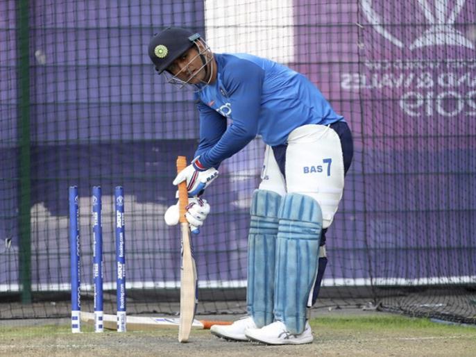 MS Dhoni to visit JSCA stadium in Ranchi during India vs South Africa 3rd Test Match   Ind vs SA: रांची में होने वाले तीसरे टेस्ट मैच का हिस्सा होंगे धोनी, 19 अक्टूबर से होगा मुकाबला!