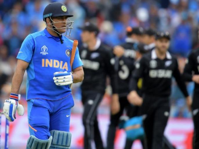 ICC World Cup 2019: Ravi Shastri reveals, why MS Dhoni came to bat at number 7 in semi final against New Zealand | IND vs NZ: कोच रवि शास्त्री ने किया खुलासा, बताई धोनी को सेमीफाइनल में नंबर 7 पर उतारने की वजह