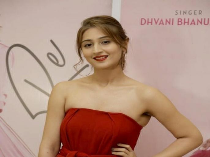 Dhvani bhanushali perform with neha kakkar on billion viewership song dilbar in indian idol show | नेहा कक्कड़ और ध्वनि भानुशाली ने इंडियन आइडल के मंच पर किया परफॉर्म, दिलबर गाने पर दोनों ने बांधा समा
