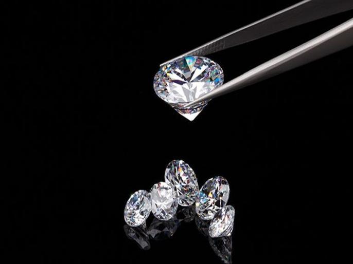 Reason of Coronavirus Surat diamond industry stares at Rs 8000 crore loss | कोरोना वायरस: सूरत के हीरा उद्योग को लग सकती है 8,000 करोड़ रुपये की चपत