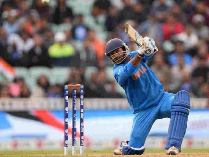 India vs Pakistan: Dinesh Karthik over Vijay Shankar in case of shortened match | Ind vs Pak: मौसम को देखते हुए टीम इंडिया चौथे नंबर पर इस खिलाड़ी को दे सकती है मौका, पाक टीम में भी दो बदलाव संभव