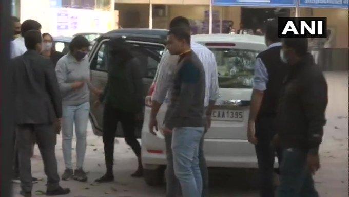 Toolkit case Disha Ravigrants bail100,000 with two surety in like amountPatiala House Court | टूलकिट मामलाः दिशा रवि तिहाड़ से रिहा, कोर्ट ने कहा-अधूरे सबूतों पर युवती को जेल में रखना न्याय नहीं...