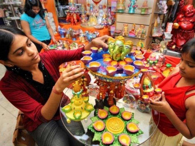 Diwali 2019: home cleaning tips for deepawali Diwali keep this in mind | Diwali 2019: दिवाली की सफाई में घर से बाहर फेंक दें ये 5 चीजें, नहीं तो हो जाएंगे कंगाल