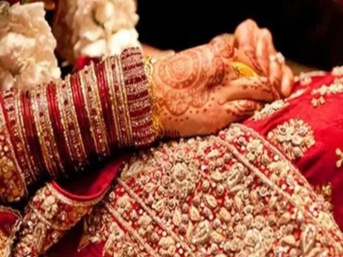 In Agra village Two Brides Absconding Before Honeymoon know here details | चंद घंटे पहले हुई थी शादी, सुहागरात से पहले ही सास को चकमा देकर घर लूट फरार हो गईं दो दुल्हनें