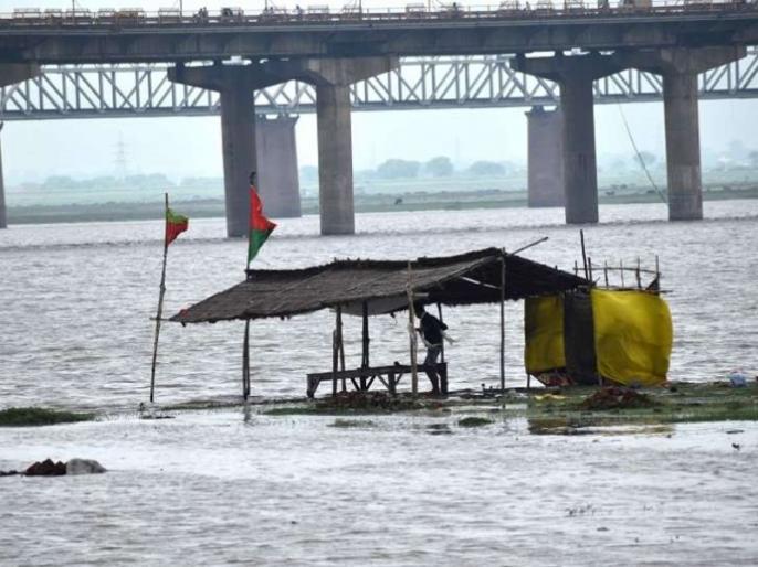 Ganga, Yamuna are taking Dire as, rain in the hilly areas and the water released disaster   गंगा, यमुना समेत कई नदियां ले रही हैं रौद्र रूप, पहाड़ी इलाकों में बारिश और बांधों से छोड़ा गया पानी बना आफत