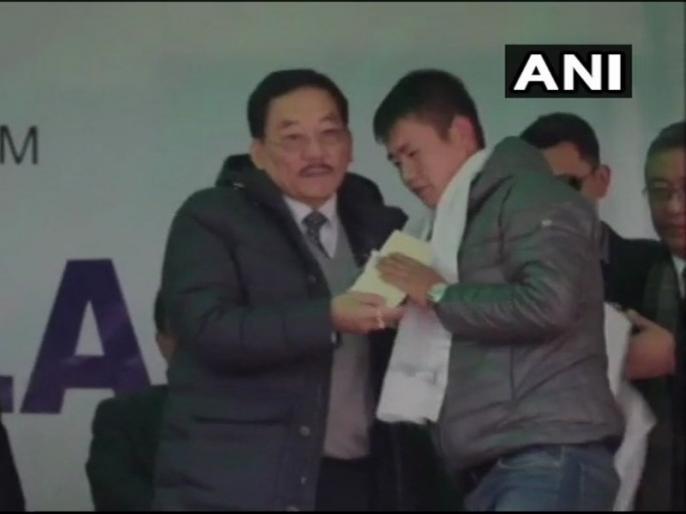 sikkim cm launches one family one job scheme know more about this | सिक्किमः सीएम चामलिंग ने लॉन्च की 'वन फैमिली वन जॉब' स्कीम, अब परिवार के एक सदस्य को मिलेगी सरकारी नौकरी