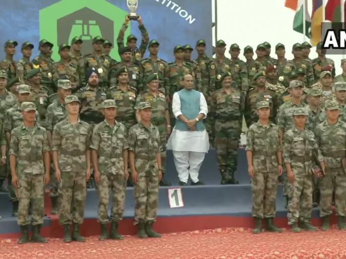 Rajasthan: Defence Minister Rajnath Singh at the closing ceremony of International Army Scout Masters Competition, in Jaisalmer. | राजनाथ सिंह बोले, चीन-रूस से रिश्ता आने वाले दिनों में बनेगा मजबूत, वैश्विक खतरों का सामना करने में सक्षम होंगे