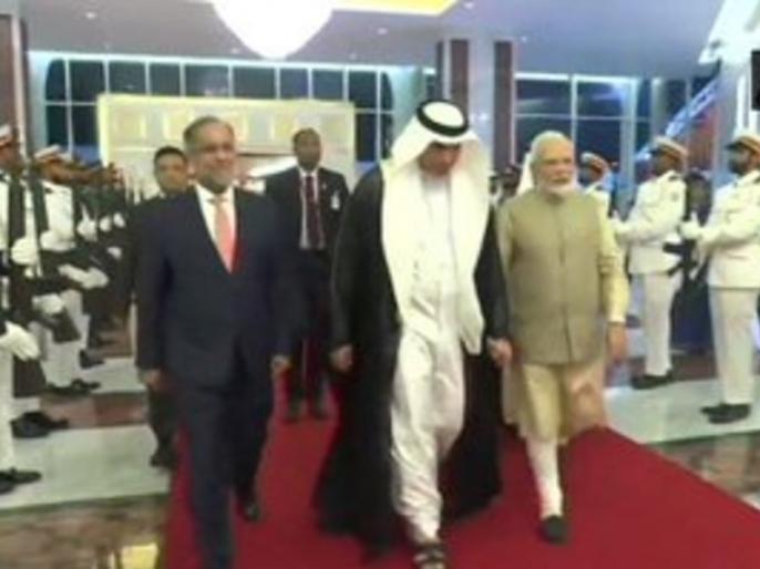 Prime Minister Narendra Modi arrives at Abu Dhabi meeting Crown Prince Sheikh Mohammed bin Zayed Al Nahyan to discuss bilateral | PM Modi In UAE: यूएई पहुंचे पीएम मोदी, अबू धाबी के प्रिंस क्राउन से करेंगे मुलाकात