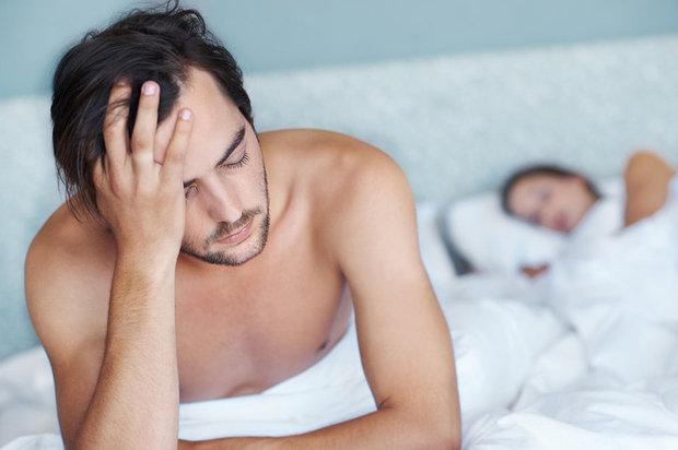 mobile phone side effect : Cellphone radiation may lead to poorer sex life | मोबाइल को ऐसे इस्तेमाल करने से नपुंसक बन सकते हैं आप, स्पर्म क्वालिटी भी हो सकती है खराब