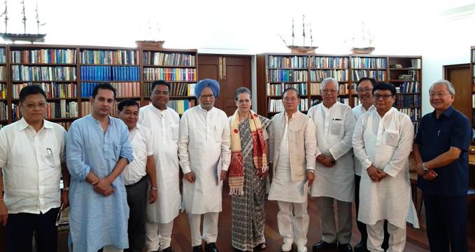 Sonia Gandhi's meeting on NRC, said- Congress party will stand with NRC list | NRC पर सोनिया गांधी की बैठक, कहा-एनआरसी की सूची से बाहर रह गए हैं उनके साथ कांग्रेस पार्टी खड़ी रहेगी