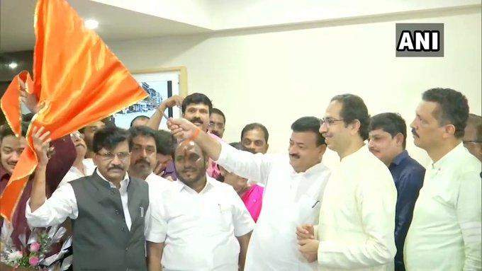 Bhaskar Jadhav cannot live without power: NCP | भास्कर जाधव सत्ता के लालच में शिवसेना में शामिल हुए,सत्ता के बिना नहीं रह सकतेः राकांपा