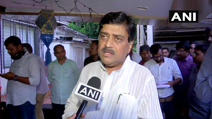 A stable government is formed in Maharashtra, Congress does not want President's rule: Ashok Chavan | महाराष्ट्र में स्थिर सरकार बने,कांग्रेस राष्ट्रपति शासन नहीं चाहती: अशोक चव्हाण