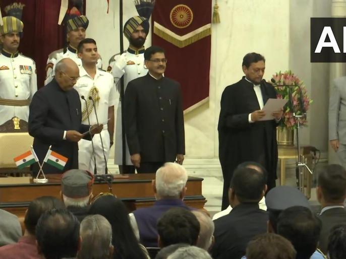 Justice Sharad Arvind Bobde takes oath as Chief Justice of India.   भारत के 47वें CJI बने शरद अरविंद बोबडे, अयोध्या और निजता के अधिकार समेत अहम फैसलों में रहे हैं शामिल