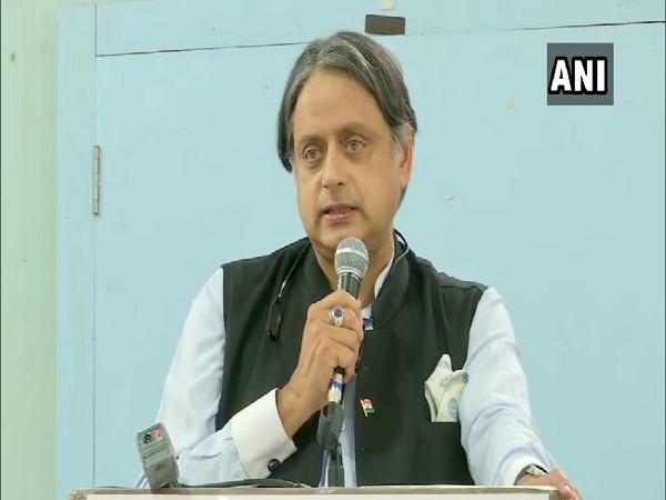 Sunanda Pushkar case: Congress MP Shashi Tharoor appeals in court, asks permission to go abroad   सुनंदा पुष्कर केसः कांग्रेस सांसदशशि थरूर ने कोर्ट में लगाई अर्जी, विदेश जाने की मांगी अनुमति