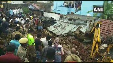 Tamil Nadu rains, 25 dead, 1000 people in relief camp | बारिश से बेहालतमिलनाडु,25 लोगों की मौत,1000 लोग राहत शिविर में