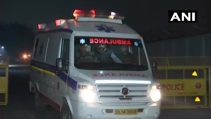 The rape victim burnt in Unnao was brought to Delhi by airlift, the situation is serious, the victim is 90 percent scorched | उन्नाव में जलायी गई दुष्कर्म पीड़िता को एयर एंबुलेंस से दिल्ली के सफदरजंग अस्पताल ले जाया गया, हालात गंभीर,90 फीसदी झुलसी है पीड़िता